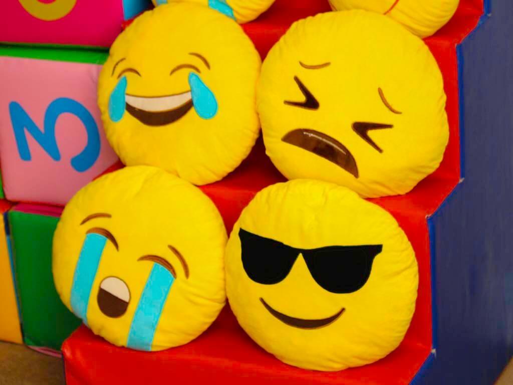 senSI Treatment Soft Emojis